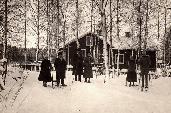 hol-001-skolhus-vinter