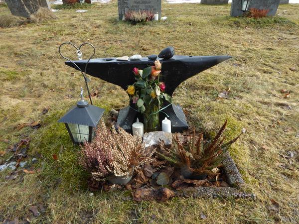 vas-281-gravsten