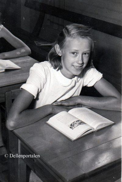 s-mov-049-1950-7-ulla-hanss