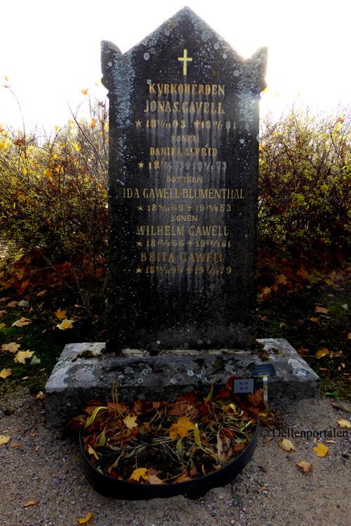dels-015-gravsten-